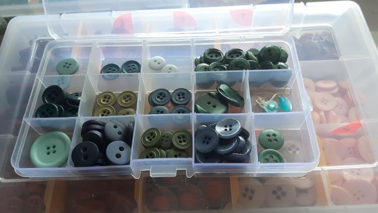 Op ration rangement couture 1e partie r ve soie for Rangement boutons couture
